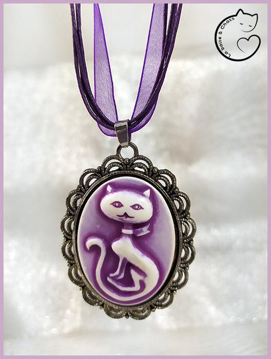 Bijou chat original pendentif style camée création La Boîte à Chats